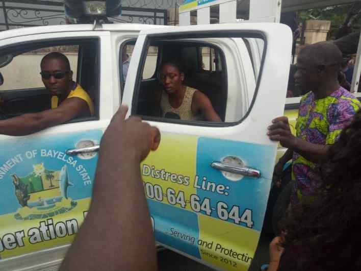POS Theft: Community Folks rescue female operator, as police nabbed two armed robbers in Yenagoa