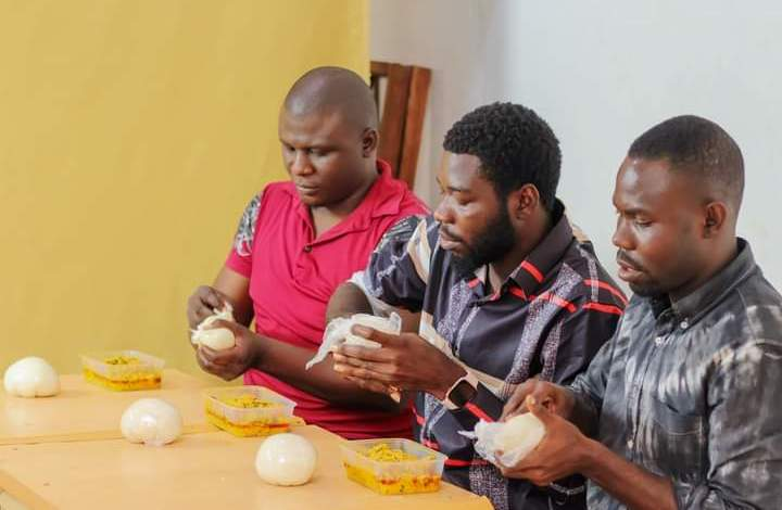 Food Fight Friday Philip Leads Yenagoa Blogger, Solomon Odede [Video]