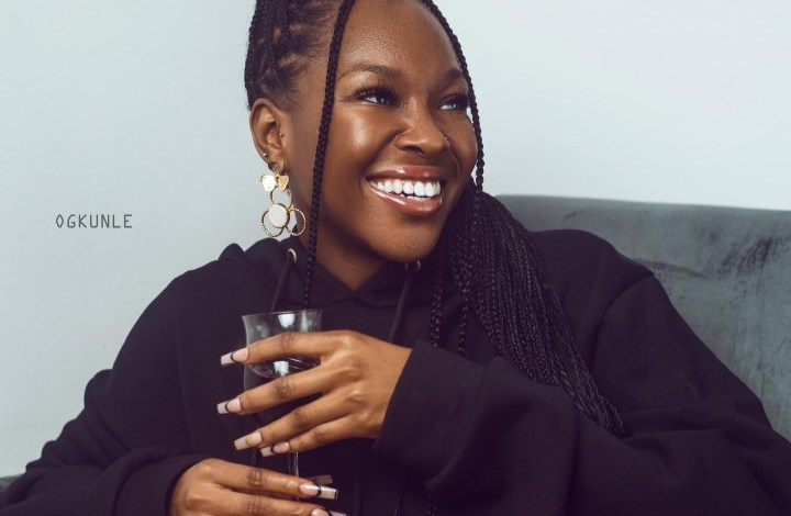 Fans Worried as Vee Takes Cocktail on an Empty Stomach