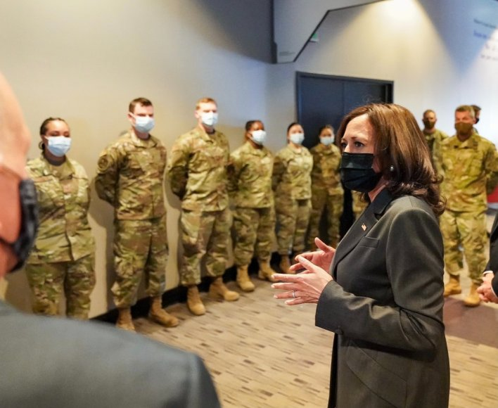 Kamala Harris Meets Maryland Air National Guard