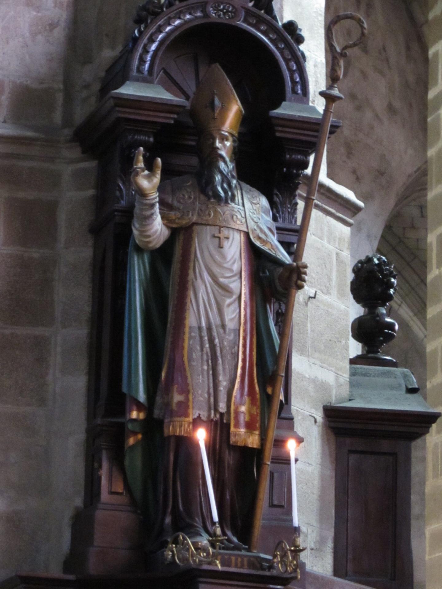 Saint Aubin, Évêque d'Angers (469-549). Fête le 1er Mars.