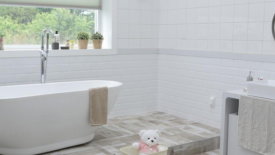 Cómo cambiar la bañera por el plato de ducha