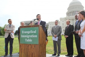Top Evangelical Leaders Call For Amnesty to 'End Government Shutdown'