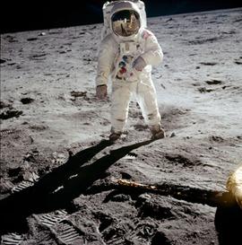 Apollo--An-apollo-astrona-004