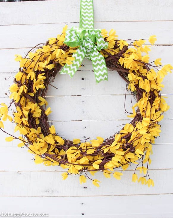 Five-Minute-Dollar-Store-Spring-Forsythia-Wreath-at-the-happy-housie-6