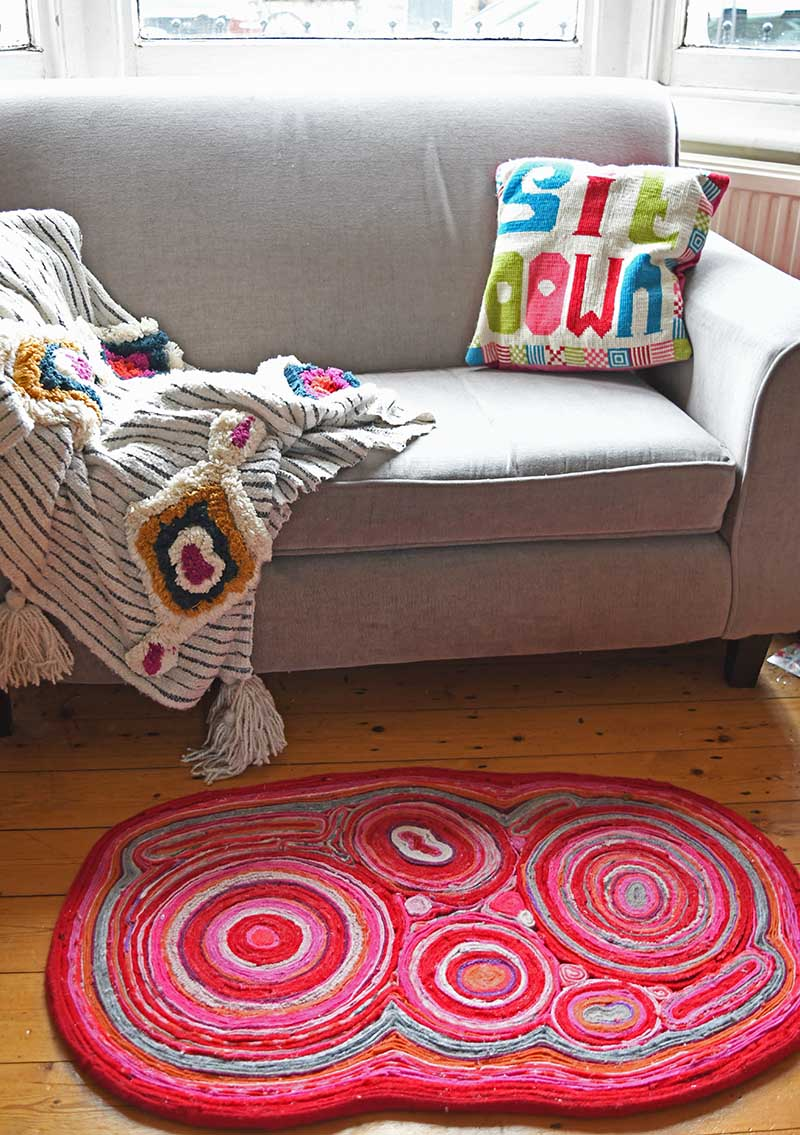 diy-felt-rug-lounge-5s