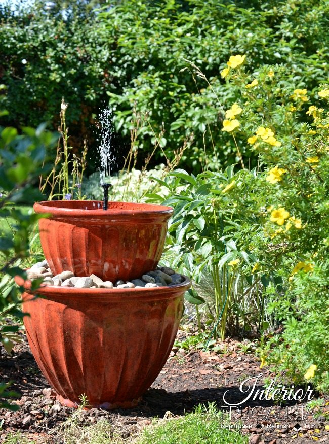 Solar Plant Pot Fountain 650