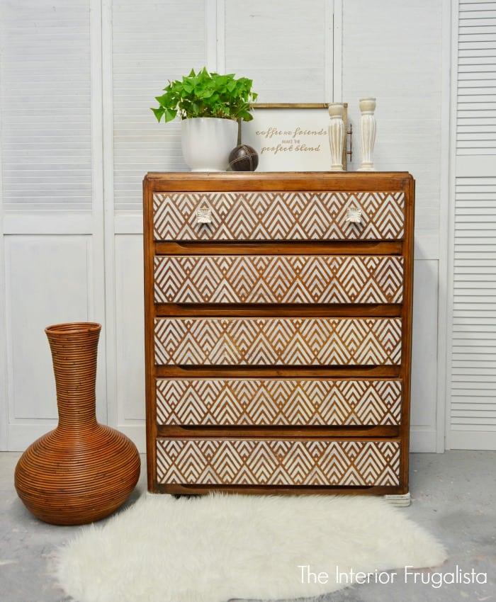 Geometric Dresser 700