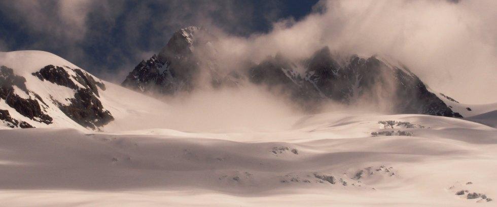 Dôme et aiguille des Glaciers avec vue sur le glacier