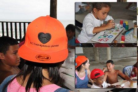 Niños y niñas pintaron carteles informativos para la comunidad.