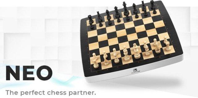 Gadget Oggetti Fantastici Regali per Donna Regali per Ragazzi Regali per uomo  scacchieraNEO Square Off NEO: L'esclusiva  scacchiera che gioca con te