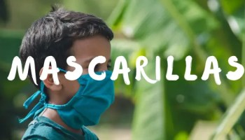 Niño con mascarilla azul. Mascarillas frikis y molonas reutilizables. Regalomolon.es