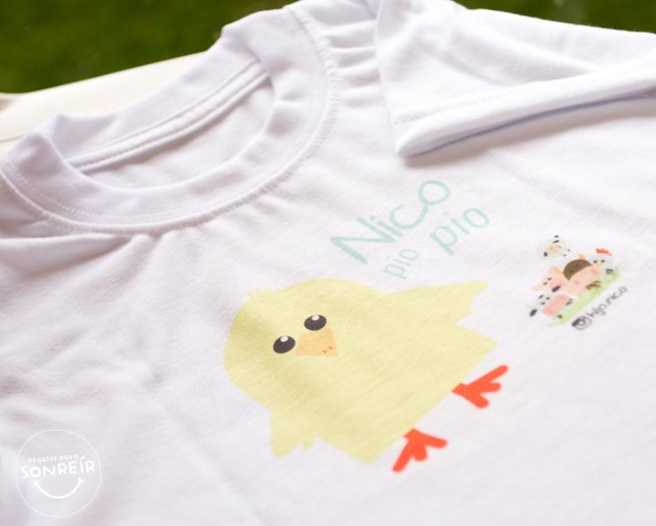Camiseta con estampado de pollo