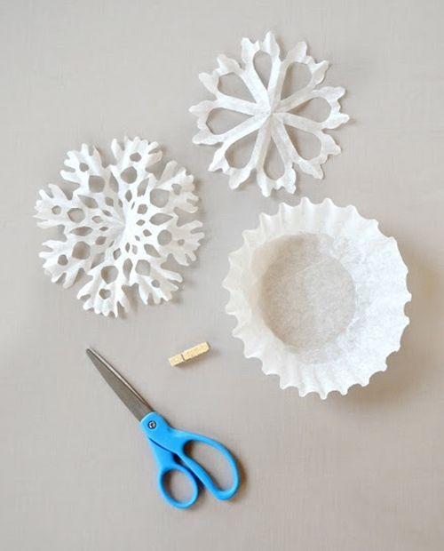 manualidades de Navidad copos de papel para decorar fiestas 1