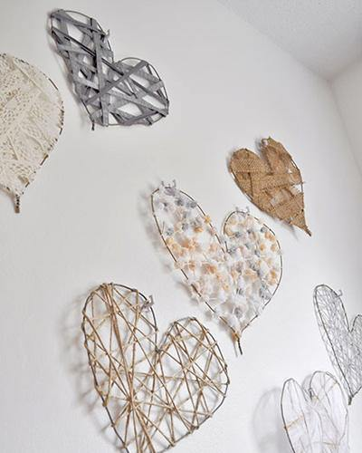 Manualidades con alambre corazones para decorar bodas paredes