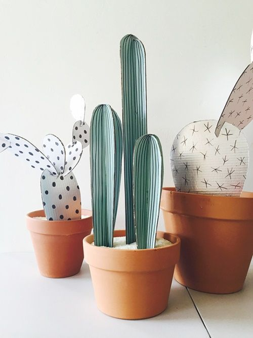 manualidades para regalar divertidas macetas de cactus de carton 3