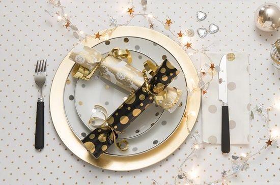 christmas crackers como hacer crackers de Navidad con papel de regalo1