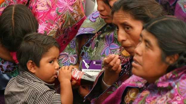 Los indígenas consumían los productos que tenían al alcance, como frituras y refrescos