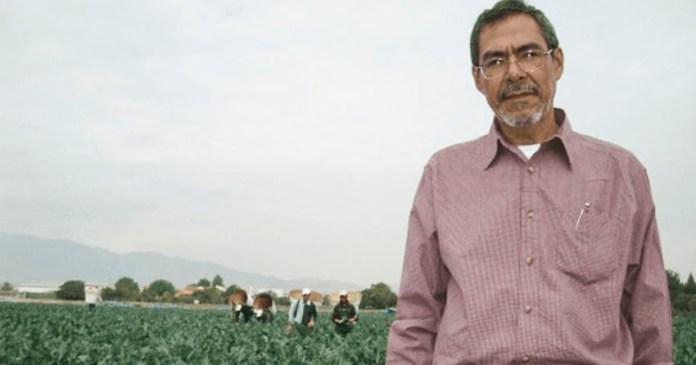 activista Carlos Marentes rechaza premio del gobierno
