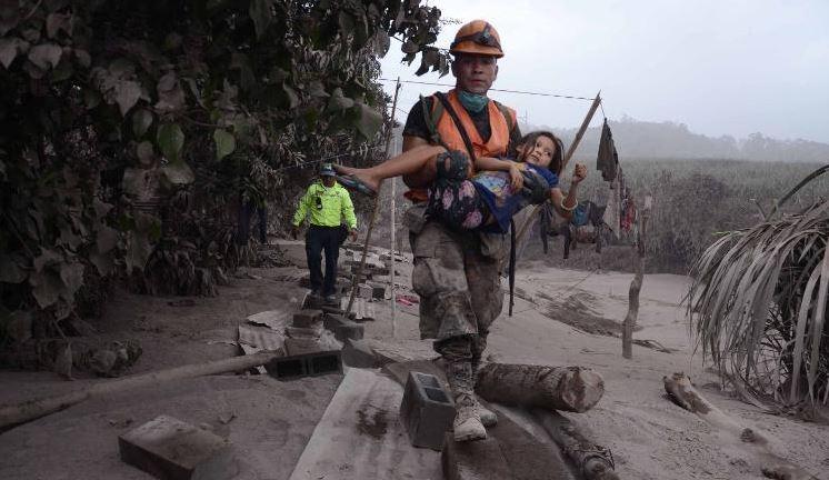 Ascendió a 69 número de muertos por erupción del Volcán de Fuego