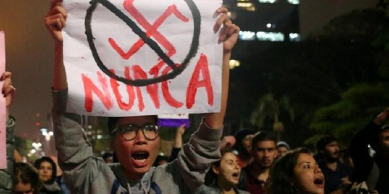 Montan provocación en acto contra Bolsonaro en Angel de Independencia