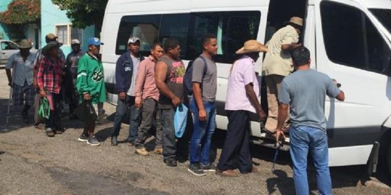 afromexicanos2 - Acusan racismo en detención de 14 campesinos afromexicanos