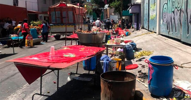 Explosión de tanque de gas en tianguis de Nezahualcóyotl deja a 11 heridos