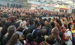 retraso en linea 9 metro 300x180 - Metro ofrece constancias de retraso para usuarios de la Línea 9