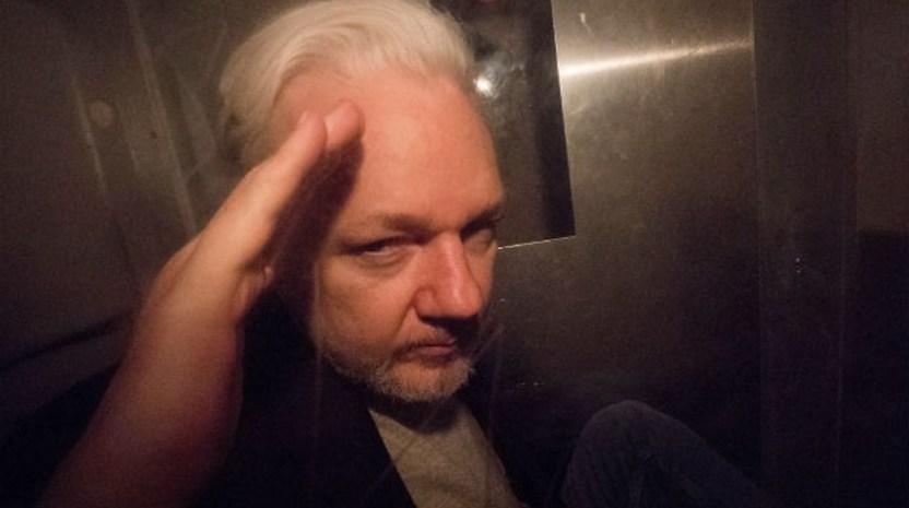 Assange Julian - Gana defensa de Assange tiempo, audiencia será hasta 2020