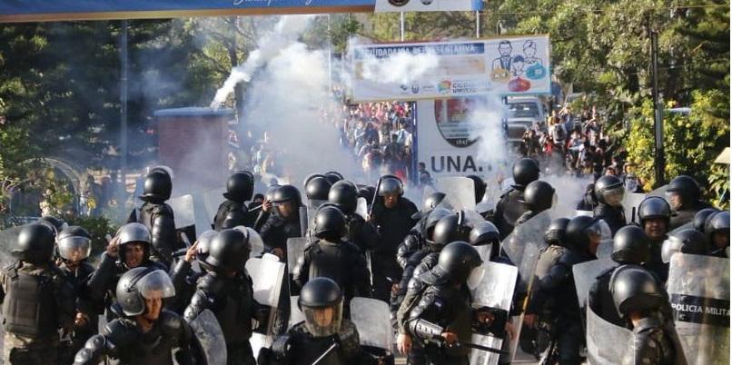 honduras - Honduras, militares abren fuego contra estudiantes universitarios
