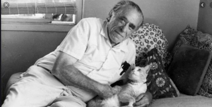 10 frases de Bukowsky, hoy, a 99 años de su natalicio