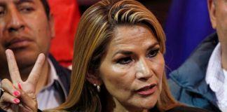 Me dan pena los mexicanos, dice presidenta interina de Bolivia