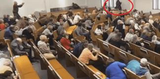 Hombre irrumpe en iglesia de Texas y dispara contra asistentes