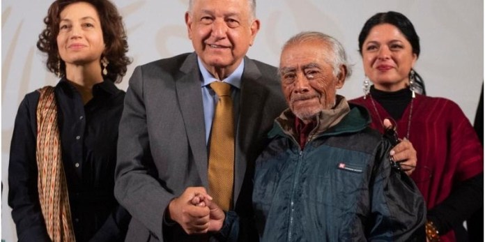 AMLO con pueblos indígenas de México
