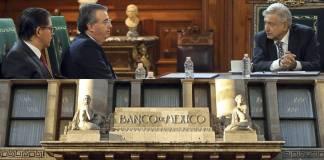 Alejandro Díaz de León, gobernador de Banco de México con el presidente Andrés Manuel López Obrador, en abril de 2020.
