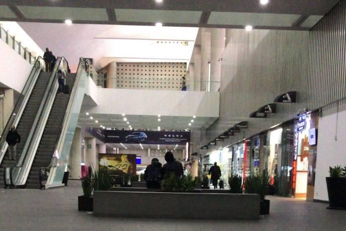 SFP impone multa 'histórica' a ex funcionaria del aeropuerto
