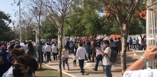 Acusan a Cabeza de vaca de acarrear trabajadores para marcha