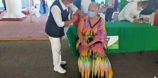 Sánchez Cordero se vacuna contra Covid