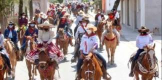 Respalda PRI cabalgata en municipio con semáforo rojo