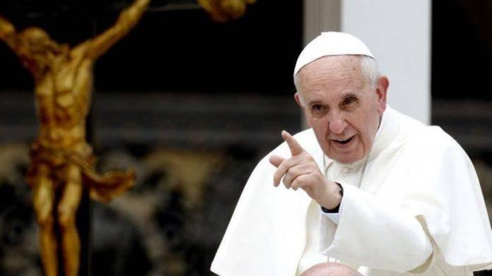 El Papa, igual que AMLO, va contra los corruptos