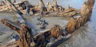 Lluvias dejan al descubierto barco del siglo XIX enterrado en la arena