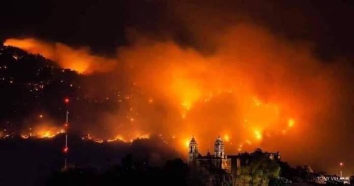 Incendio en Tepoztlán apenas es controlado al 20 por ciento