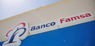 Personal de Presidencia recibe a ahorradores de Banco Famsa