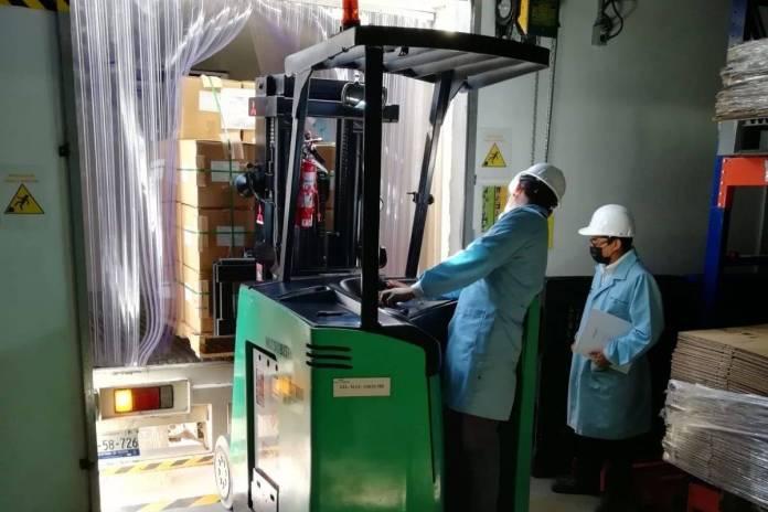 Birmex recibe lote de mas de 400 mil vacunas CanSino que se envasarán en Querétaro