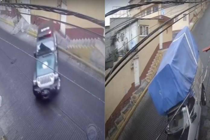 """Autos y motos se enfrentan a la """"resbaladiza del demonio"""" en calles de la CDMX"""