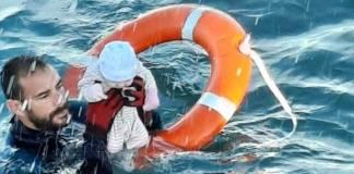 Guardia Civil español rescata a bebé de ahogarse; en medio de la peor crisis migratoria