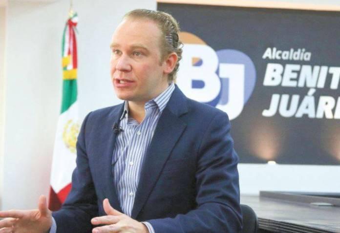 Alcalde de Benito Juárez compró papelería a sobreprecio
