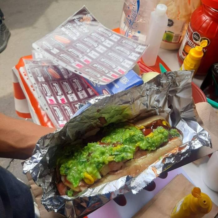 """Jair, Claudia e Itzel """"la rompen"""" con sus Hot Dog de la 4T"""