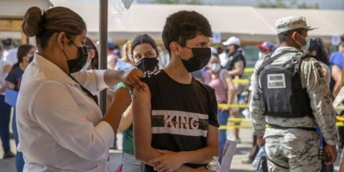 """""""Si estás crudo, no te vacunes""""; recomienda secretario de Salud de Baja California"""