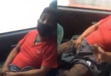 Mujer exhibe a hombre que supuestamente iba masturbándose en un autobús